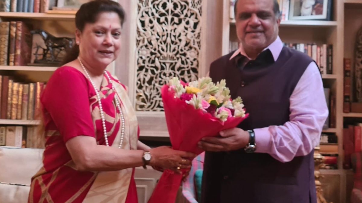 President of IOA meets the  Hon'ble Sports Minister of Madhya Pradesh, Smt Yashodra Raje Scindhia to discuss the development of sports in MP